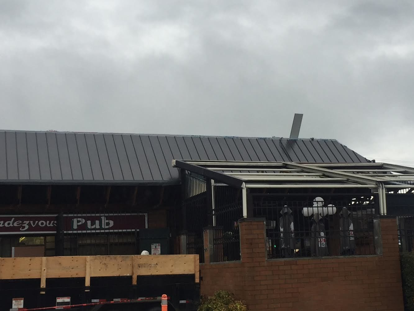 Metal roof cladding