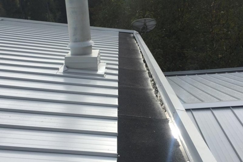 metal roof install