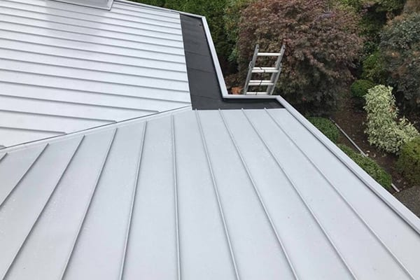 learn about how the metal roof can affect your home temperature in summer